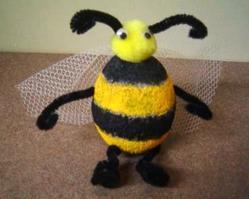 Bee-Attitude Holder 1