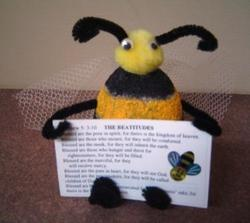 Bee-Attitude Holder 2